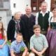 Familie Köck: Betriebsführerpaar Sabine und Josef mit Josefs Eltern Erna und Josef und den Kindern Thomas (13 Jahre), Sanna und Julian (Zwillinge 11 Jahre)